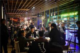 """万博manbext官网网页空间清油万博体育ios客户端下载讲述餐饮业""""最后一片蓝海""""团餐"""